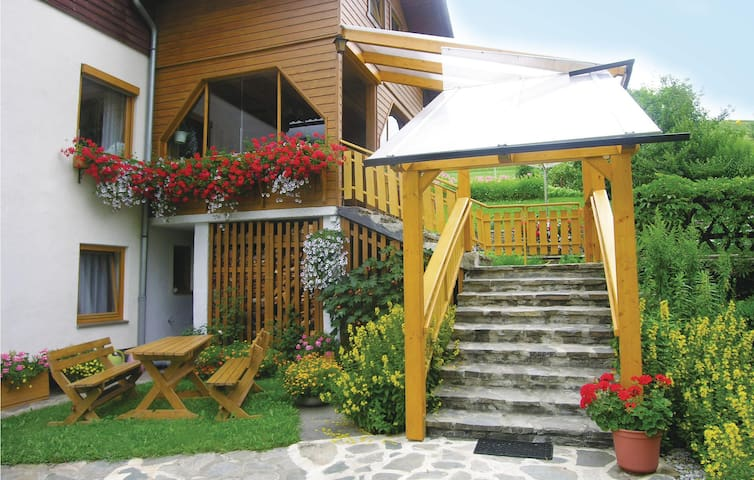 Holiday apartment with 2 bedrooms on 59 m² in Ranten