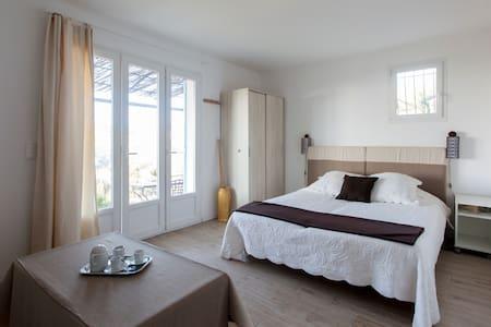 studio vue mer et colline Estaque - Marseille - Talo