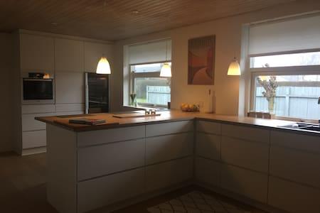 Large villa - fits 2 families easy - Ega