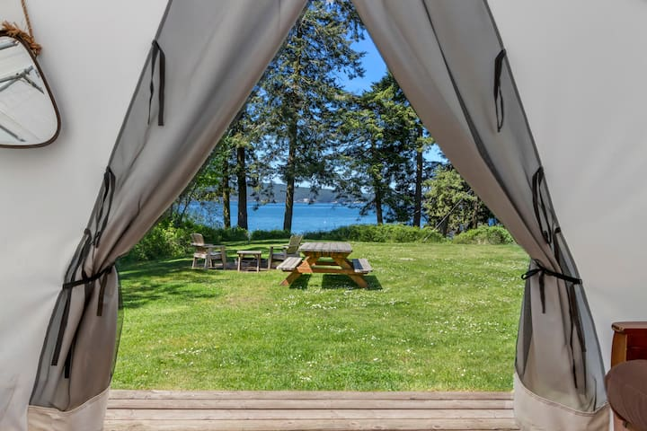 Ocean View Glamping Cabin - No Cleaning Fee!