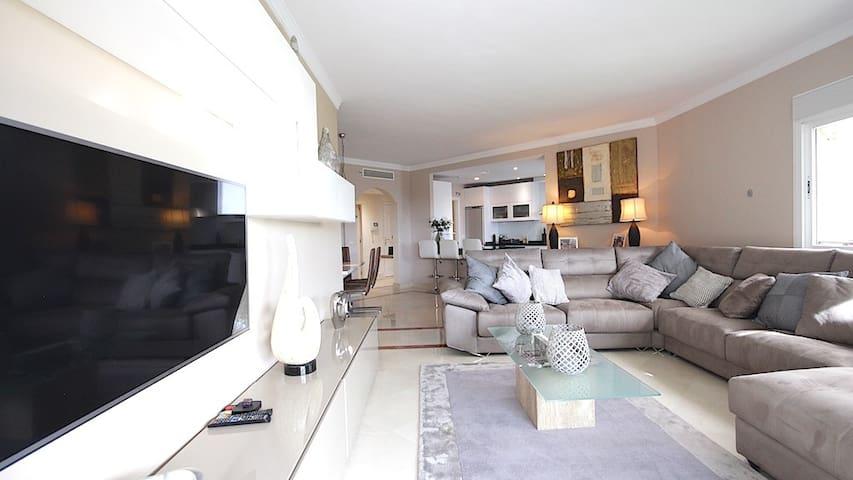Luxurios Beachfront Apartment in Marbella town - Marbella - Appartement