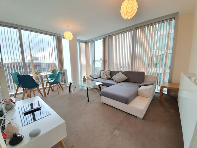 Central MK Apt in Hub - 4 Sleeps, 2 Bed 2 Bath