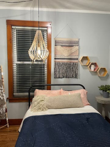 Small Bedroom with all new blinds throughout