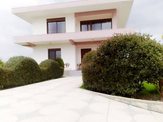 Family home - Hamil - Talo