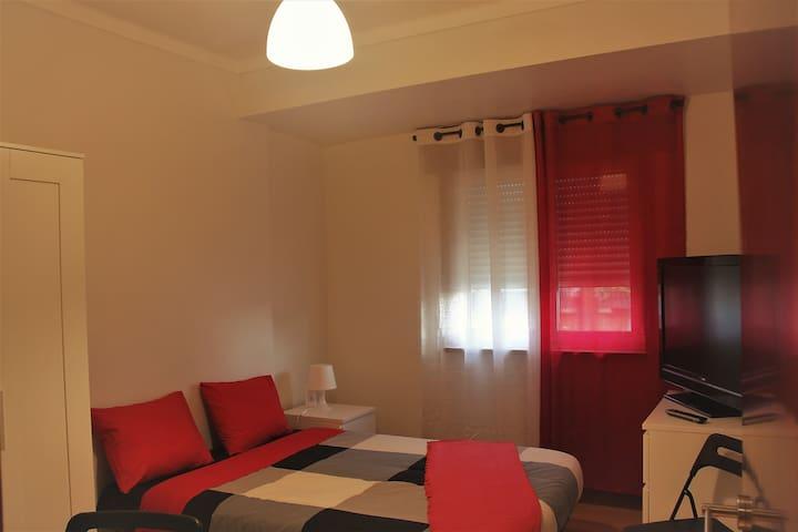 Room With Private Bathroom in Braga City Center