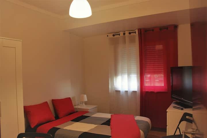 Room With Private Bathroom in Braga City Center