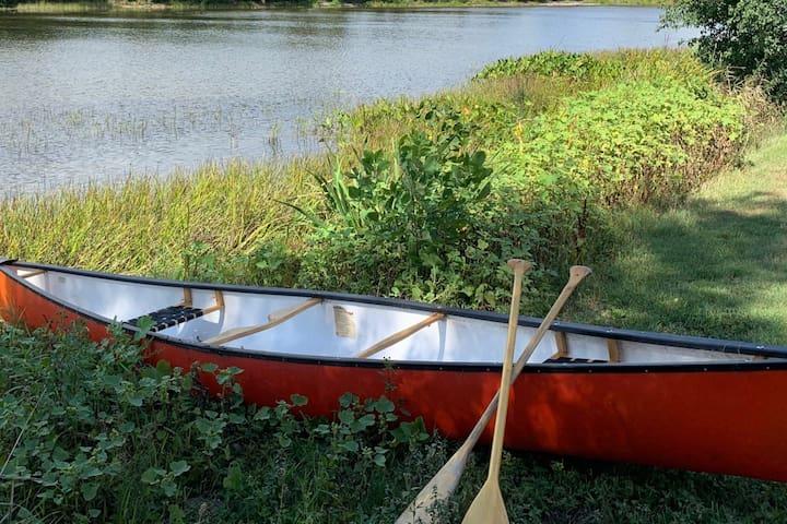 Whiskey River Inn ~ 4 free bikes & canoe