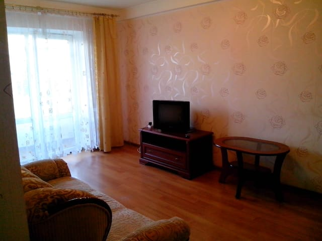 Comfortable flat near Dnieper & 12 min. of centre