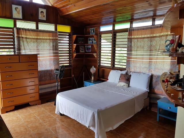 Joshua's Treasure Heights' Wood & Water Suite
