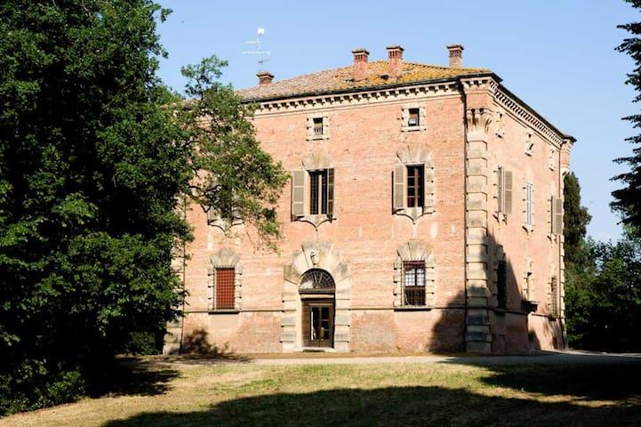 Villa Gran Giardino, historische Villa mit Pool