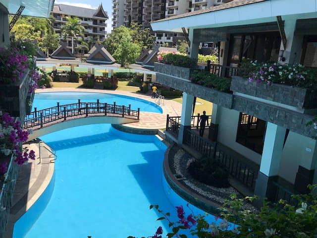 Resort style condo near Airport and Global City