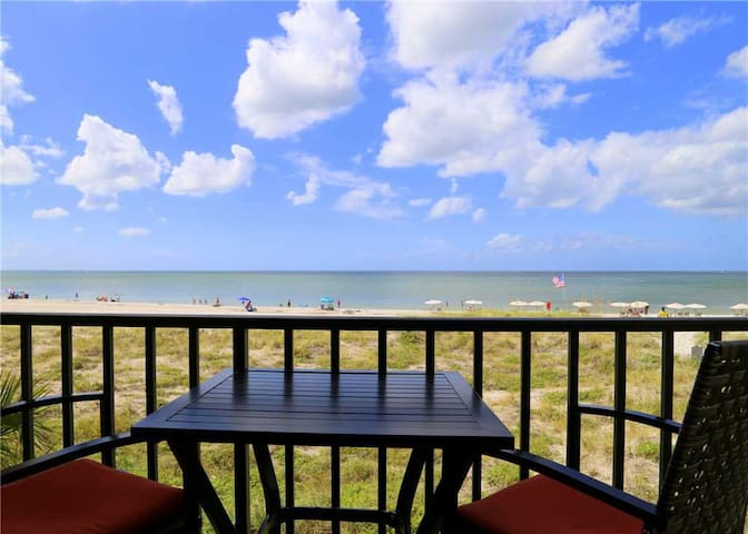Direct Beach Front Balcony Covered Balcony - Sleeps 4 - Free Wifi - 240 Surf Song - #240 Surf Song Resort
