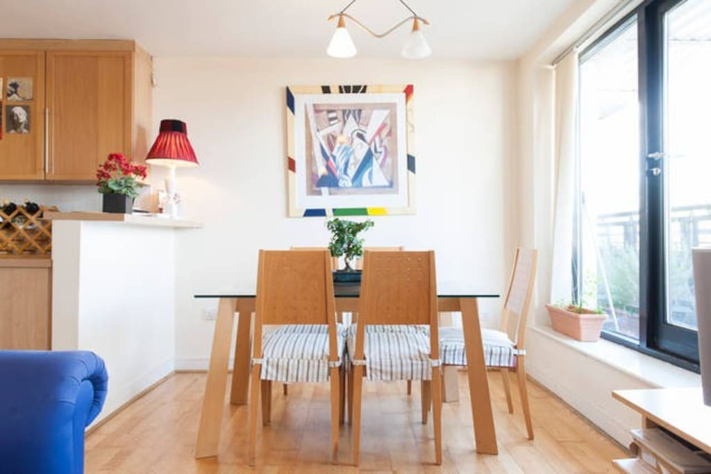 Central modern ensuite double room apartments for rent for Best private dining rooms dublin