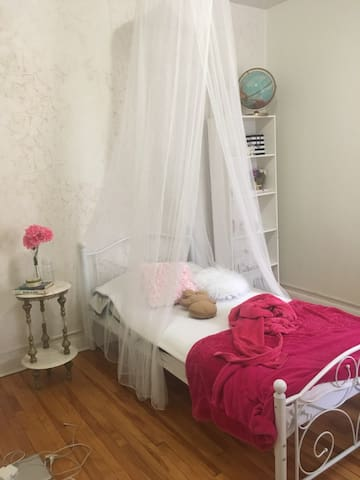 fully furnished room for women Ottawa down town