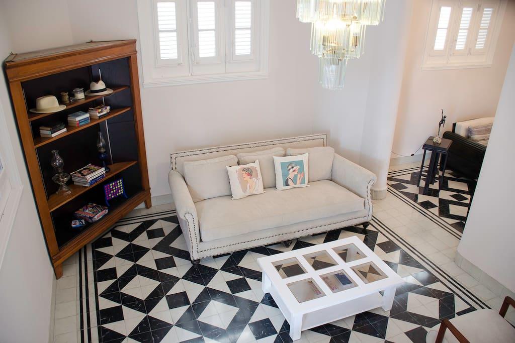Comunes: Segundo Salon de 5 plazas