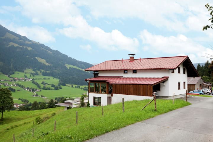 Gorgeous Apartment with Sauna in Brixen im Thale