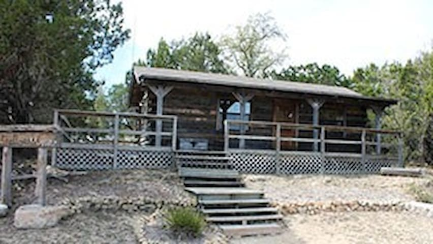 The Gallop Inn at Flat Creek Crossing Ranch - Johnson City - Chalet
