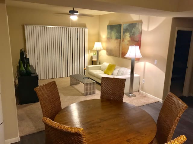 2 bed/2 bath apartment in South Austin!