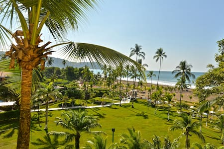 Beachfront luxurious condo with spectacular views! - Jacó