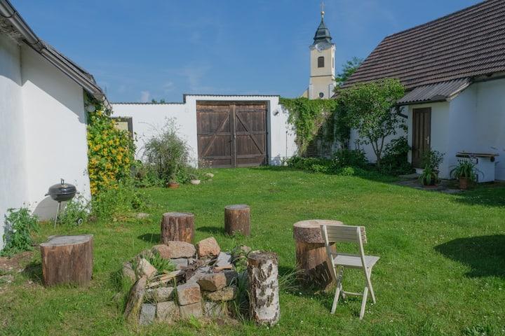 Idillischer, sanierter 4-Kant Bauernhof am See