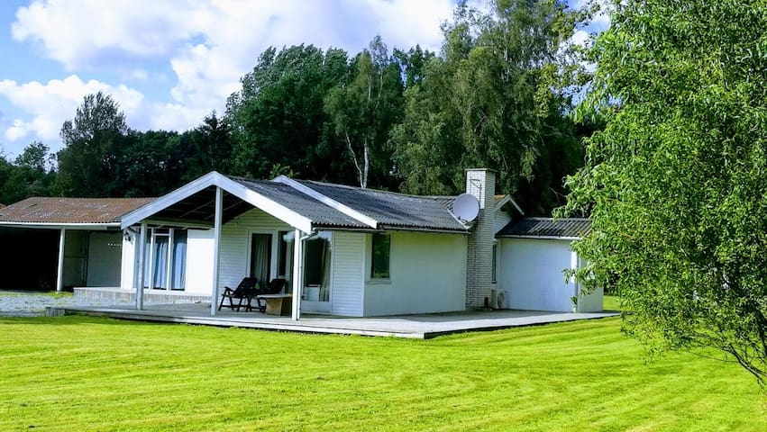 Lovely cottage of 120 sqm, 20 min from Copenhagen