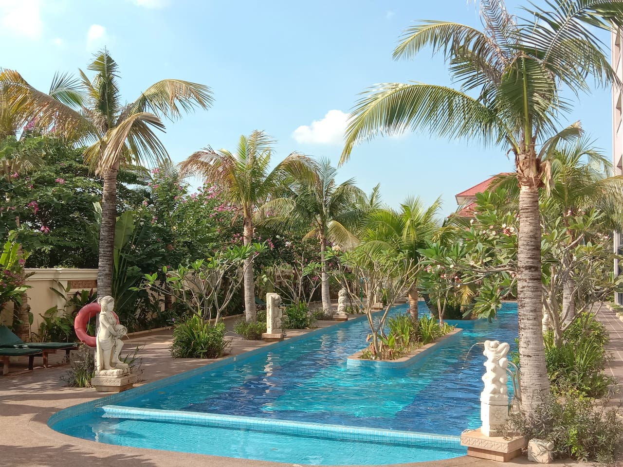 Tropical, warm, and enchanting afternoons by the pool await you :)