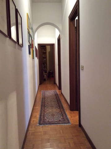Single Room #2 in historical centre (with kitchen) - Mantova - Hus