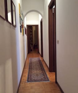 Cosy single Room #2 in historical centre - Mantova
