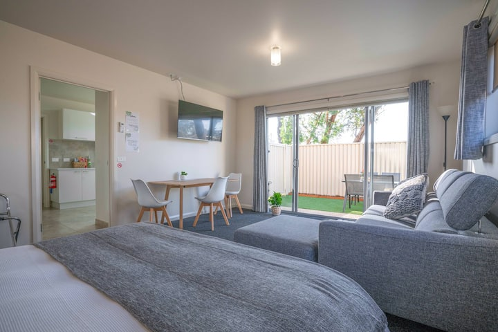 Langwarrin Luxury Lodging