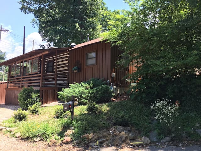 Cabin-Parking-Wash/Dryer- Monthly Rental