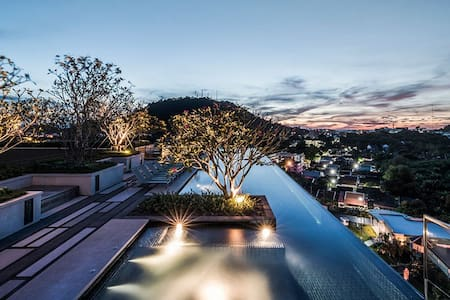 A Wonder View's Apartment in Phuket Town.