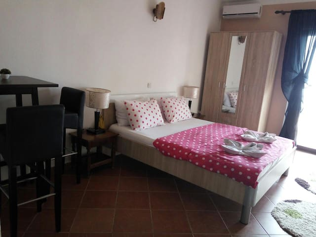 Studio2 with splendid view/XV cent., castle & sea - Ulcinj - Bed & Breakfast