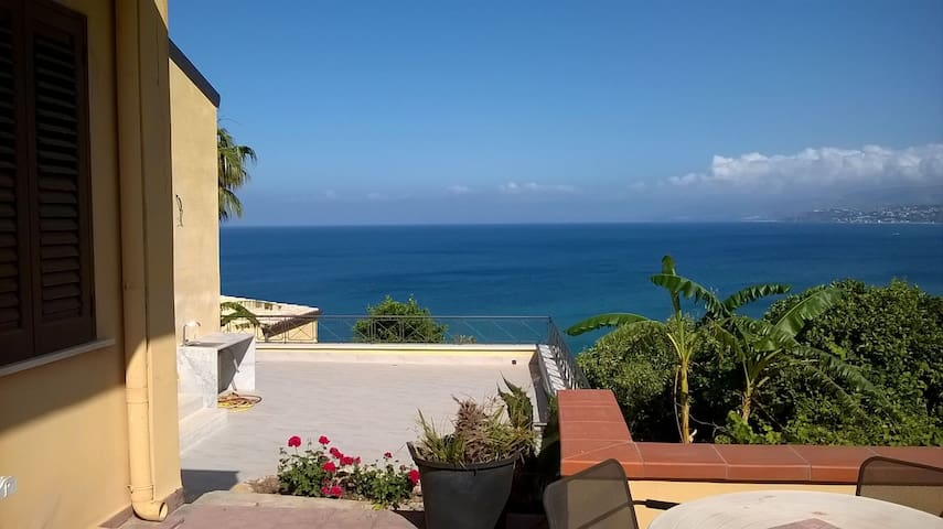 HOUSE WHITH SEAVIEW, GARDEN AND SMALL POOL - Santa Flavia - Apartment