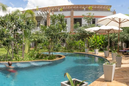 Hak's House -Family Run Guesthouse & Swimming Pool - เสียมราฐ - เกสต์เฮาส์