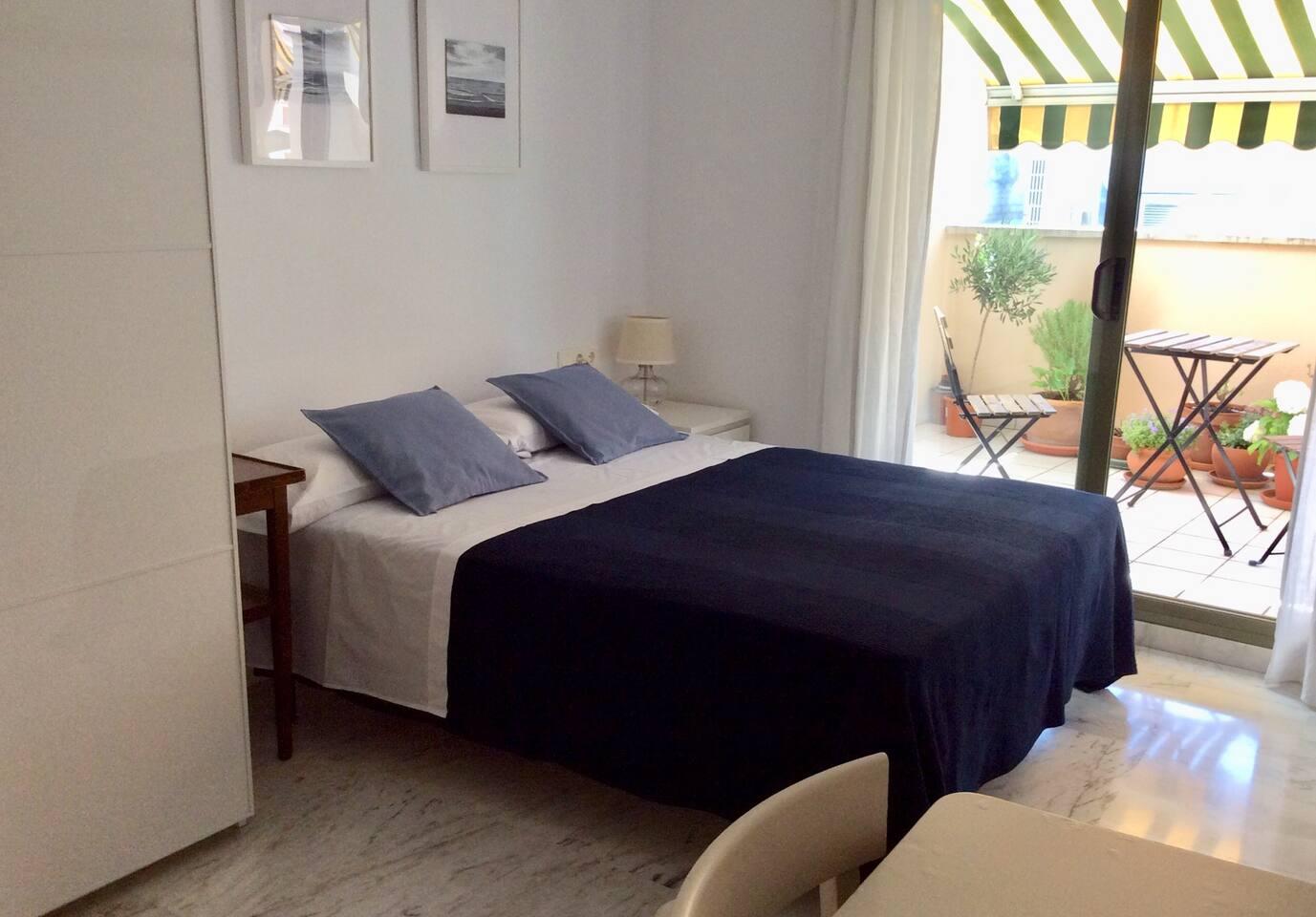 Habitación con cama de 1,50 cm
