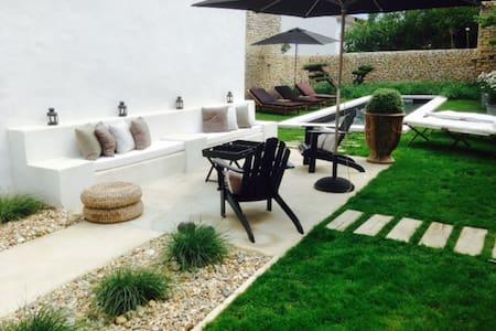 Maison de charme design + piscine chauffée - Loix