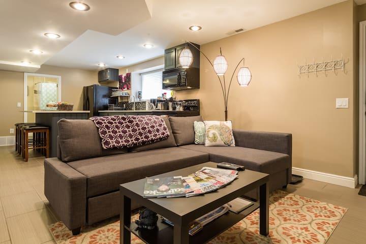 Modern, spacious, suburban hideway - Sandy - Casa