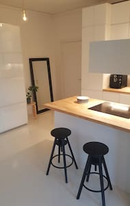 Newly renovated beautiful one bedroom apartment - Helsinki - Wohnung