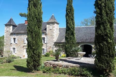 Chambre dans manoir près de Rocamadour av pdj
