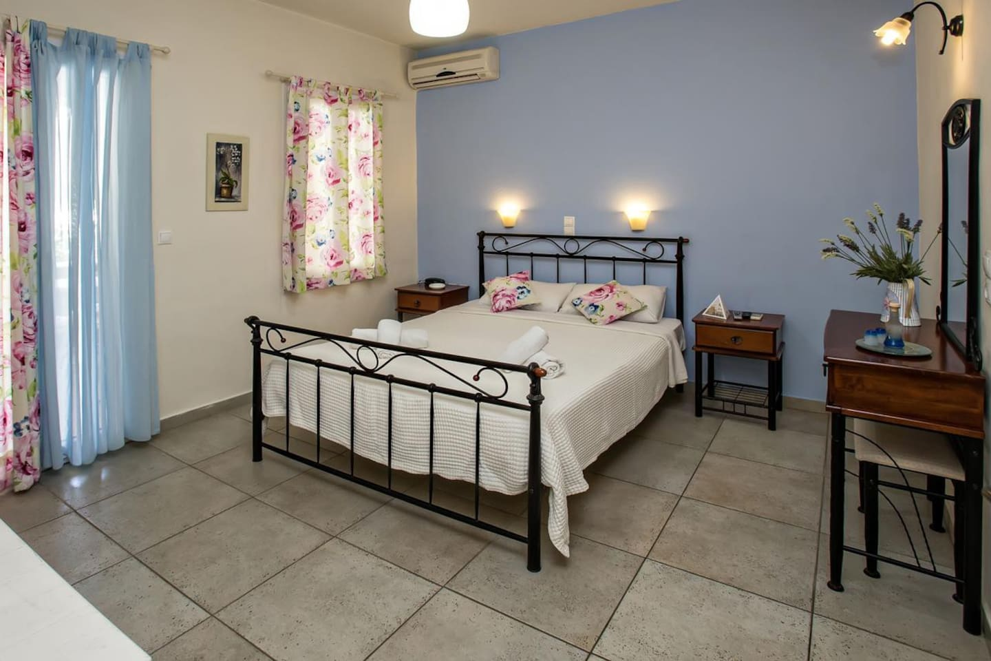 Double room in Tinos Hotel