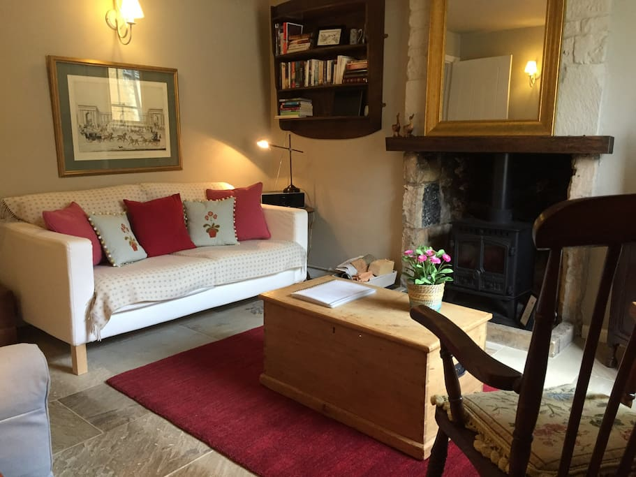 Lovely Cosy Sitting Room with Ample Seating