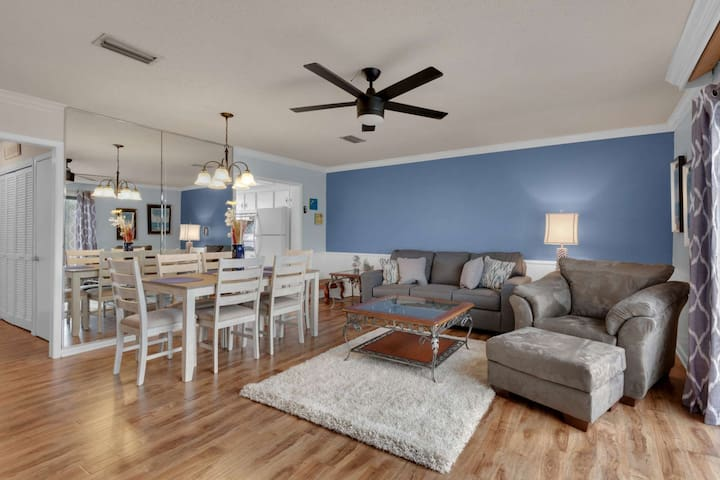 FREE Beach Chair Service! *Pet Friendly* Unbeatable Water View! Recently Renovated* Unit #50