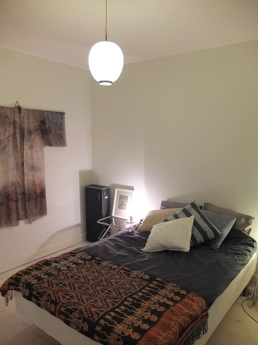 The bedroom with the queen size bed
