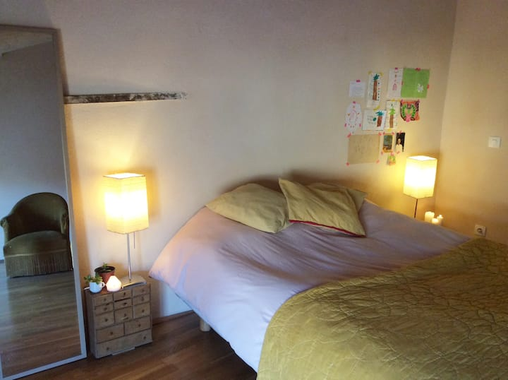 Isle/Sorgue, chambre chaleureuse et petit-déjeuner