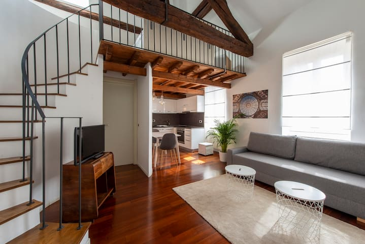 - Luxury Loft in The Heart of Navigli -
