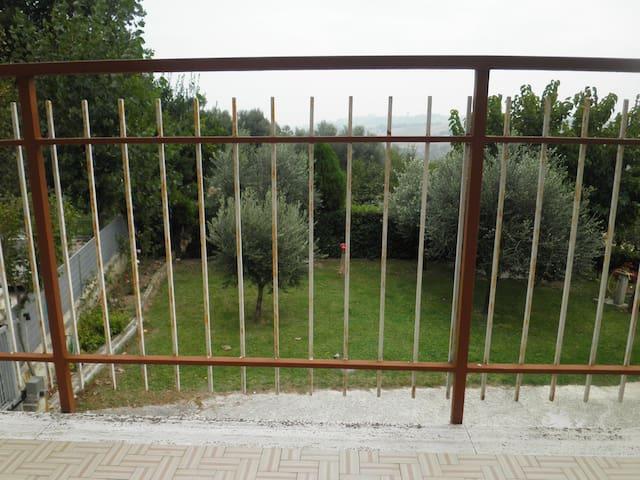 Vacanza tra MARE e COLLINA - Montignano-Marzocca