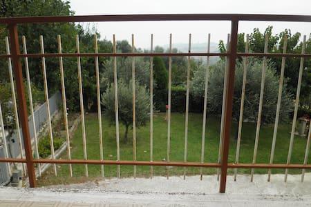 Vacanza tra MARE e COLLINA - Montignano-Marzocca - 公寓
