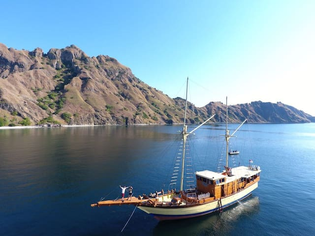 CAHAYA BERSAMA LIVEABOARD discount 20% for group