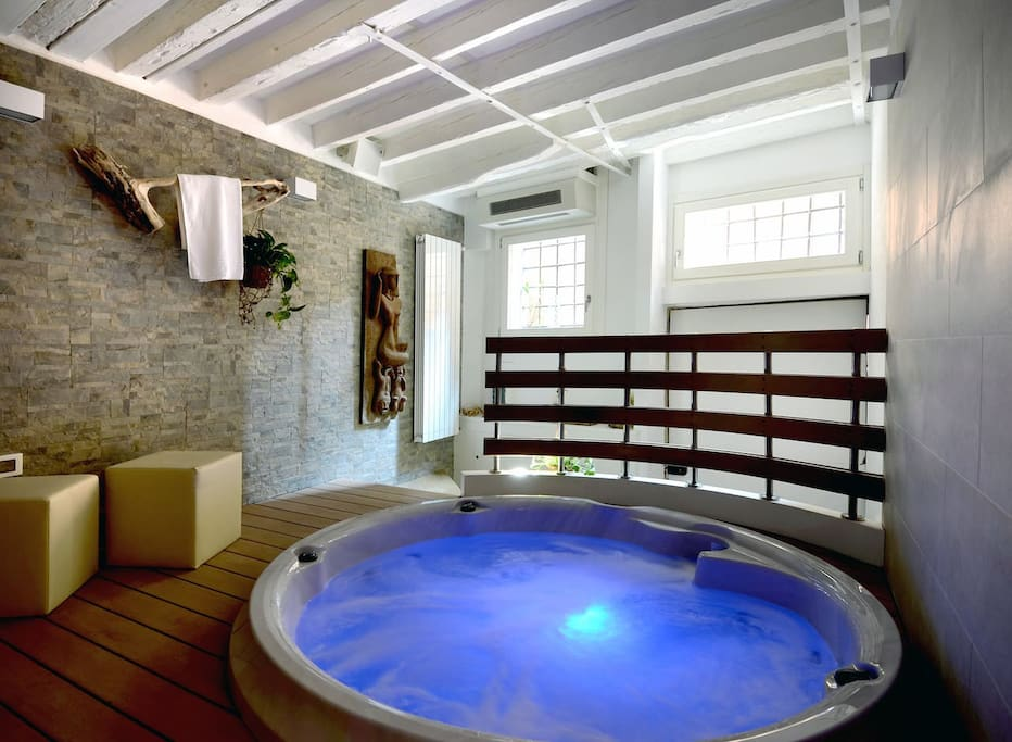 Flat With Private Jacuzzi Mini Pool Apartments For Rent In