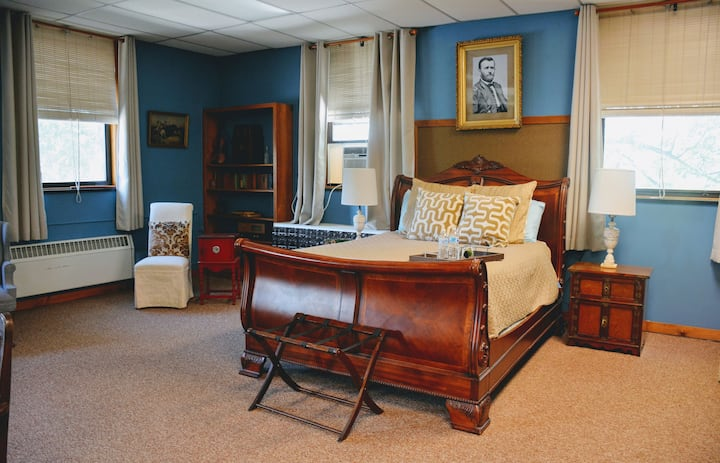 Historic School - Ulysses S. Grant Suite
